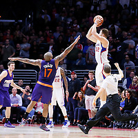 12-08 SUNS AT CLIPPERS