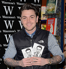 7 MAR 2015 Ray Quinn book signing