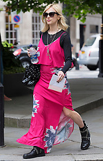 JUN 19 2014 Fearne Cotton leaving Radio 1