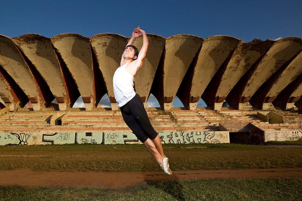 Lester Gonzalez, Havana Cuba, Cuban National Ballet
