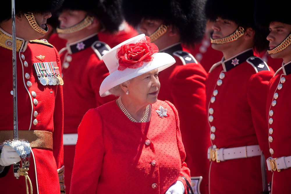 Queen Elizabeth II  inspects the Guard of Honour during Canada Day celebrations on Parliament Hill in Ottawa, Ontario, July 1, 2010. The Queen is on a 9 day visit to Canada. <br /> AFP/GEOFF ROBINS/STR