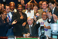 Governor Brown Signs Bill to Raise Minimum Wage