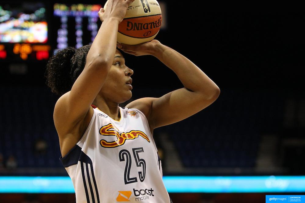 Alyssa Thomas, Connecticut Sun, in action during the Connecticut Sun Vs Phoenix Mercury WNBA regular season game at Mohegan Sun Arena, Uncasville, Connecticut, USA. 23rd May 2014. Photo Tim ClaytonAlex Bentley