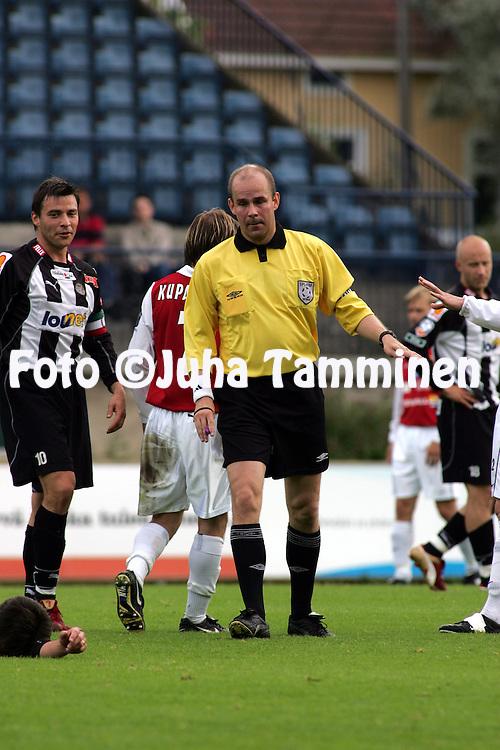 11.07.2004, Veritas Stadion, Turku, Finland..Veikkausliiga 2004 / Finnish League 2004.FC TPS Turku v Myllykosken Pallo-47.Erotuomari Mika Salo.©Juha Tamminen.....ARK:k