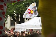 In Utrecht vindt met de presentatie van de renners het eerste offici&euml;le deel plaats van de Grand Depart. Op 4 juli start de Tour de France in Utrecht met een tijdrit. De dag daarna vertrekken de wielrenners vanuit de Domstad richting Zeeland. Het is voor het eerst dat de Tour in Utrecht start.<br /> <br /> In Utrecht the riders present themselves as the first official moment of the Grand Depart . On July 4 the Tour de France starts in Utrecht with a time trial. The next day the riders depart from the cathedral city direction Zealand. It is the first time that the Tour starts in Utrecht.