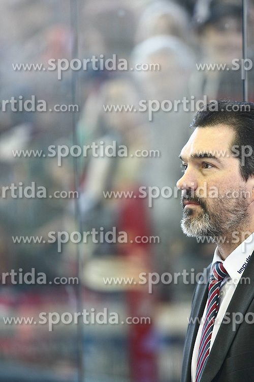 11.04.2010, Curt-Frenzel-Stadion, Augsburg, GER, DEL Playoff-Halbfinale , Augsburger Panther vs EHC Wolfsburg Grizzly Adams, im Bild Larry Mitchell (Trainer Augsburg) , EXPA Pictures © 2010, PhotoCredit: EXPA/ nph/  Straubmeier / SPORTIDA PHOTO AGENCY