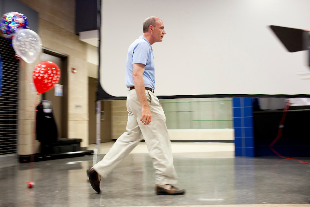 Republican presidential hopeful Thaddeus McCotter leaves after speaking at a fundraiser for the Linn County Republican Party on Friday, August 5, 2011 in Tiffen, IA.