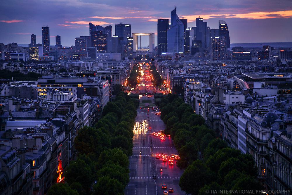 L'Avenue Charles de Gaulle et La Défense