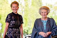 Prinses Beatrix en Prinses Mabel zijn woensdag 19 april 2017 aanwezig bij de uitreiking van de derde