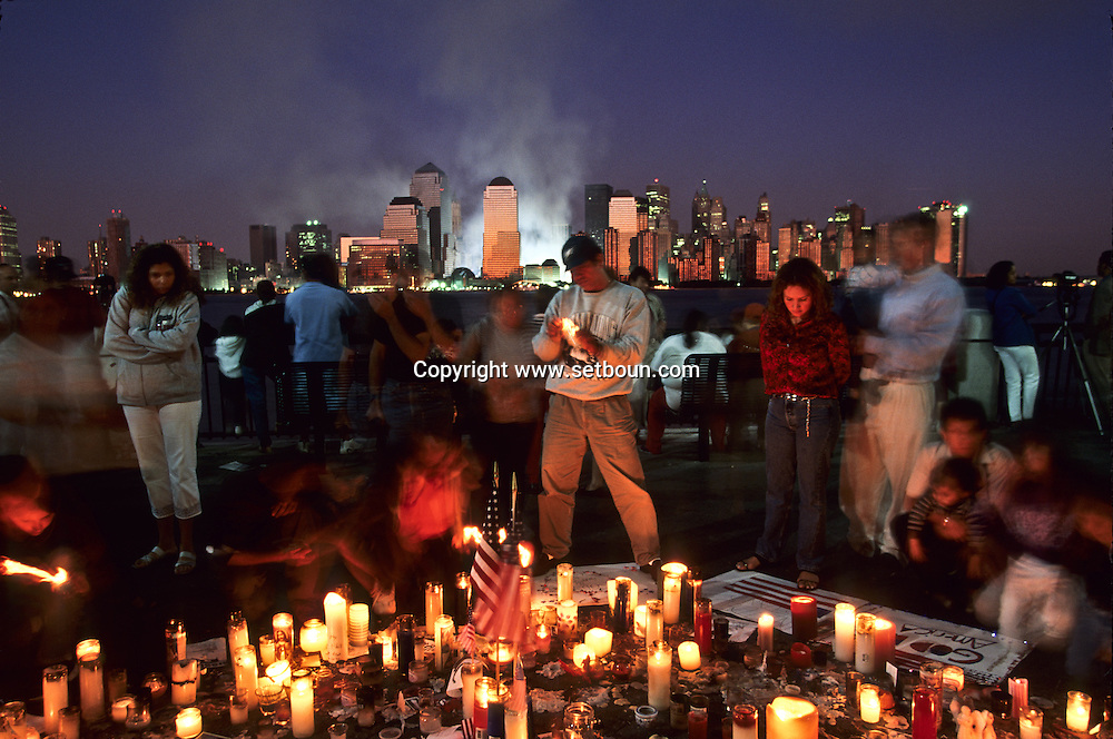 New York 9/11 The destroyed skyline after the terrorist attack  on the world trade center towers in Manhattan. New york   /   9 septembre, Le skyline detruit, apres l attaque terroriste sur les tours du world trade center a Manhattan,   New york  USA