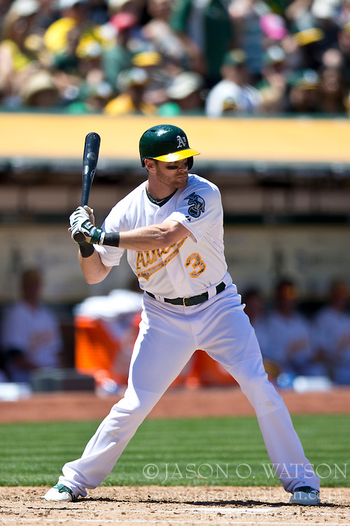 OAKLAND, CA - MAY 26:  Craig Gentry #3 of the Oakland Athletics at bat against the Detroit Tigers during the fourth inning at O.co Coliseum on May 26, 2014 in Oakland, California. The Oakland Athletics defeated the Detroit Tigers 10-0.  (Photo by Jason O. Watson/Getty Images) *** Local Caption *** Craig Gentry
