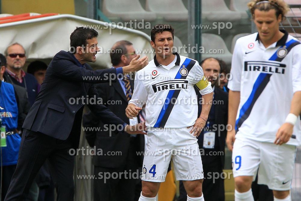 07.04.2012, Stadion Sant Elia, Cagliari, ITA, Serie A, Cagliari Calcio vs Inter Mailand, 31. Spieltag, im Bild Andrea Stramaccioni Javier Zanetti Inter the football match of Italian 'Serie A' league, 31th round, between Cagliari Calcio and Inter Mailand at Sant Elia stadium, Cagliari, Italy on 2012/04/07. EXPA Pictures © 2012, PhotoCredit: EXPA/ Insidefoto/ Paolo Nucci..***** ATTENTION - for AUT, SLO, CRO, SRB, SUI and SWE only *****