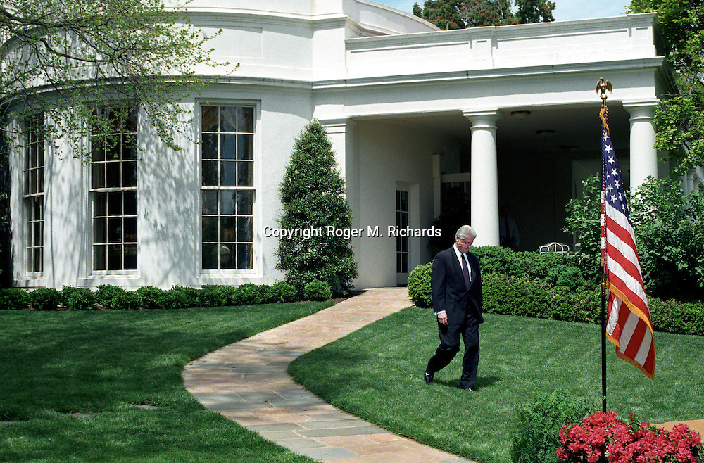president bill clinton walks from the oval office at the white house after losing a vote bill clinton oval office
