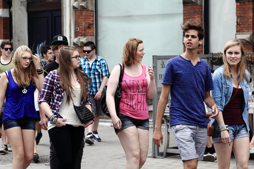 Photos of the crowds heading to Antwerp's Summer Festival, 30th June 2012