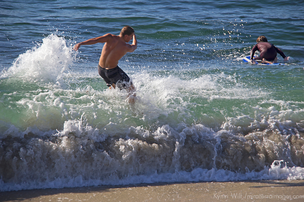 USA, California, San Diego. Skimboarder at Windansea.