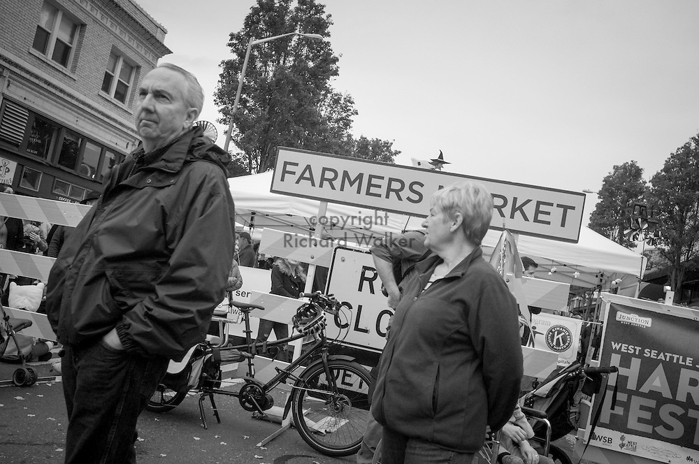 2016 October 30 - Street scene West Seattle Harvest Festival, West Seattle, WA, USA. By Richard Walker