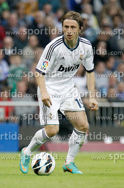 20.10.2012, Estadio Santiago Bernabeu, Madrid, ESP, Primera Division, Real Madrid vs Celta de Vigo, 8. Runde, im Bild Real Madrid's Luka Modric // during the Spanish Primera8ivision 8th round match between Real Madrid CF and Celta de Vigo at the Estadio Santiago Bernabeu, Madrid, Spain on 2012/10/20. EXPA Pictures © 2012, PhotoCredit: EXPA/ Alterphotos/ Alvaro Hernandez..***** ATTENTION - OUT OF ESP and SUI *****