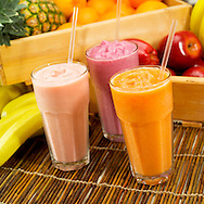 Fruit smoothies made of banans, pineapples and apples.