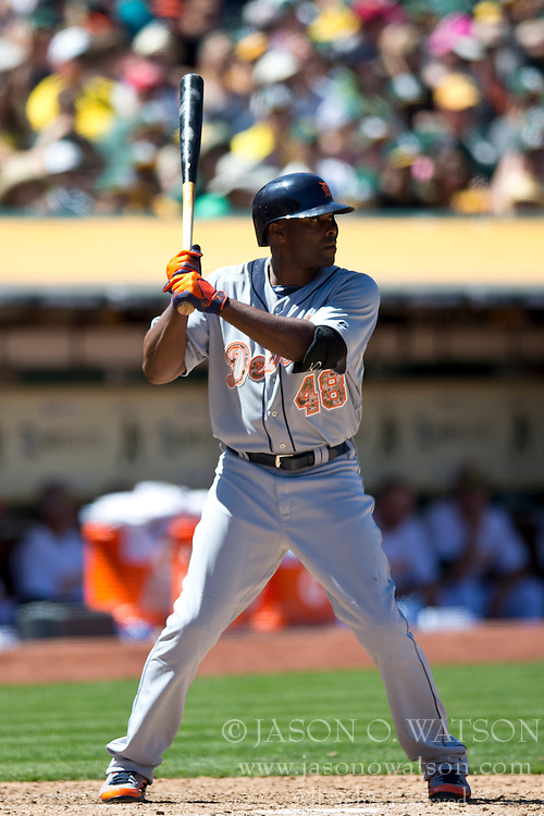OAKLAND, CA - MAY 26:  Torii Hunter #48 of the Detroit Tigers at bat against the Oakland Athletics during the sixth inning at O.co Coliseum on May 26, 2014 in Oakland, California. The Oakland Athletics defeated the Detroit Tigers 10-0.  (Photo by Jason O. Watson/Getty Images) *** Local Caption *** Torii Hunter