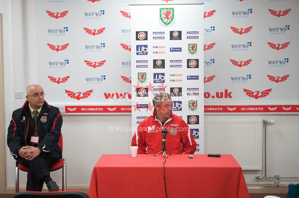 LLANELLI, WALES - Tuesday, March 31, 2009: Wales' manager Brian Flynn at a post match press conference following his side's 5-1 victory over Luxembourg during the UEFA Under-21 Championship Group 3 match at Parc-Y-Scarlets. Also press officer Ceri Stennett. (Pic by David Rawcliffe/Propaganda)