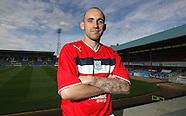 02-08-2012 Dundee sign Mark Stewart