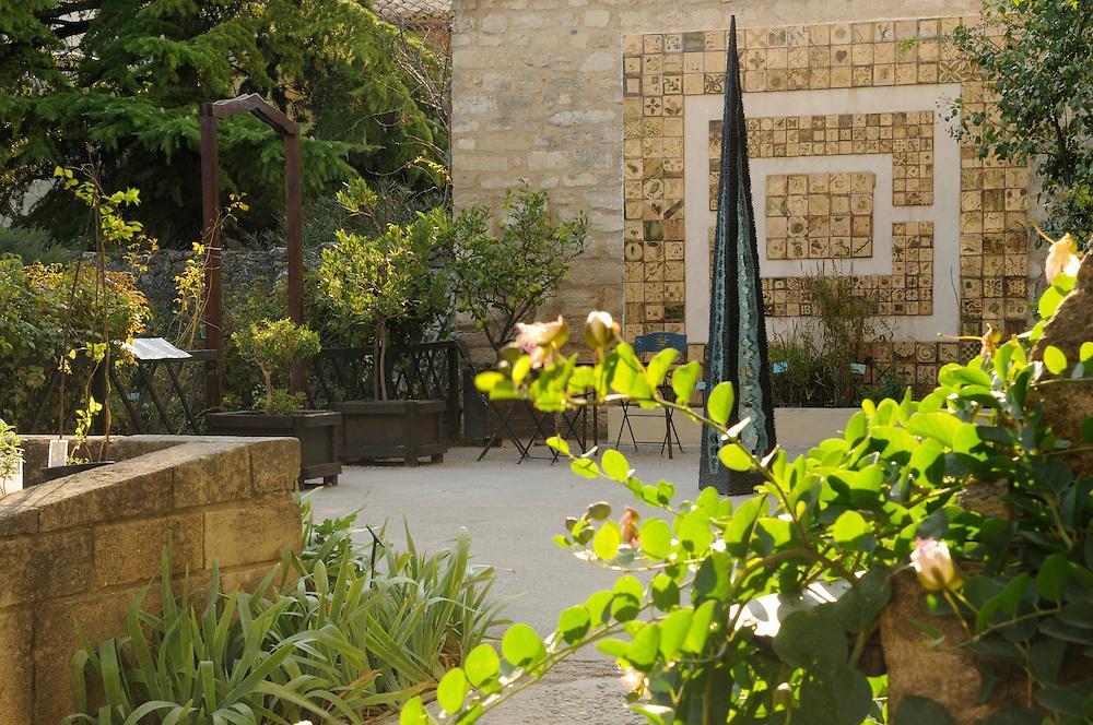 France, Languedoc Roussillon, Gard (30), Uzès, le jardin médiéval