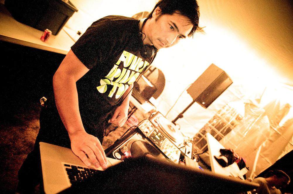 Sid doing a Thunderball set
