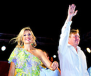 20-11-2013 ARUBA – ORANJESTAD - King Willem Alexander of the Netherlands and Queen Maxima at Aruba during the feast with dj Chuckie . They will visit all the 6 Dutch Islands. The royal couple will visit the Caribbean . COPYRIGHT ROBIN UTRECHT