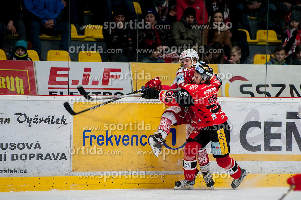 13.01.2017, Ice Rink, Znojmo, CZE, EBEL, HC Orli Znojmo vs EC KAC, 43. Runde, im Bild v.l. Nikolaus Kraus (EC KAC) Jiri Beroun (HC Orli Znojmo) // during the Erste Bank Icehockey League 43th round match between HC Orli Znojmo and EC KAC at the Ice Rink in Znojmo, Czech Republic on 2017/01/13. EXPA Pictures © 2017, PhotoCredit: EXPA/ Rostislav Pfeffer