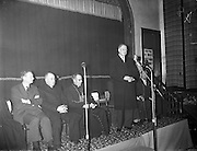 09/04/1961<br /> 04/09/1961<br /> 09 April 1961<br /> Opening of Thurles Drama Festival at Premier Hall Thurles, Co. Tipperary, organised by Muintir na T&iacute;re and Gael Linn.  The Archbishop of Cashel Thomas Morris arrives at the Hall.  President Eamonn de Valera address's the crowd before the play.