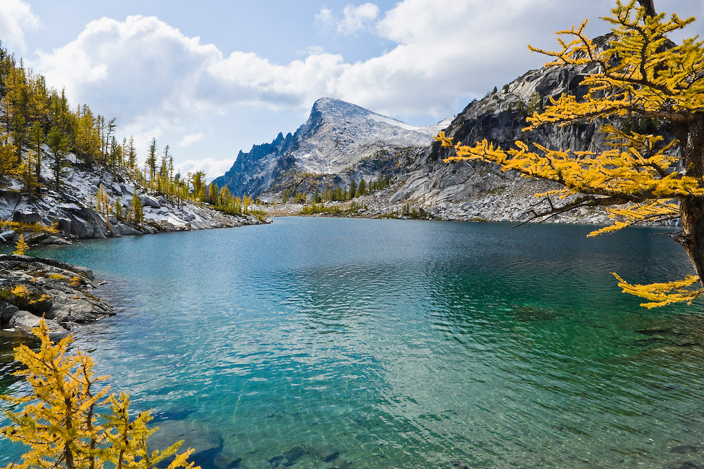 Perfection Lake with Little Annapurna in the background, Enchantment Lakes Wilderness Area, Washington Cascades, USA.
