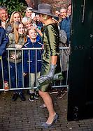 18-2-2017 - DORDRECHT - Queen Maxima opens Saturday, February 18 in the Dordrecht Museum exhibition A Royal Paradise - Aert Schouman and imagination of nature. COPYRIGHT ROBIN UTRECHT<br /> 18-2-2017 - DORDRECHT  - Koningin Maxima opent zaterdag 18 februari in het Dordrechts Museum de tentoonstelling Een Koninklijk Paradijs - Aert Schouman en de verbeelding van de natuur. COPYRIGHT ROBIN UTRECHT