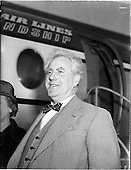 1960 - Boat designer Mr Uffa Fox arrives in Dublin Airport for Boat Week