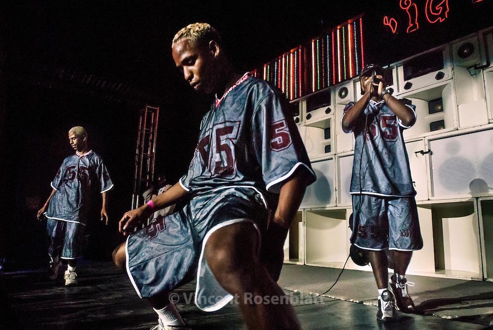 Os Ousados, one of the best Funk carioca boys band, from favela Jacarezinho..
