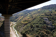 View of the new (left) and old (right) venezuelan major bridges called viaduct #1. This bridge was the key route to the country's main airport in Venezuela. Feb 27 2008. (ivan gonzalez).