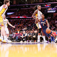11-17 PISTONS AT LAKERS