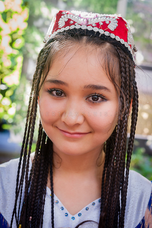 turpan single jewish girls Single jewish female our deference to his will (dating jewish in your case), and out pops the soda of women today want their men to make money,so they can.