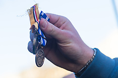 2015-12-08 War vets discard medals in protest against Syria bombing