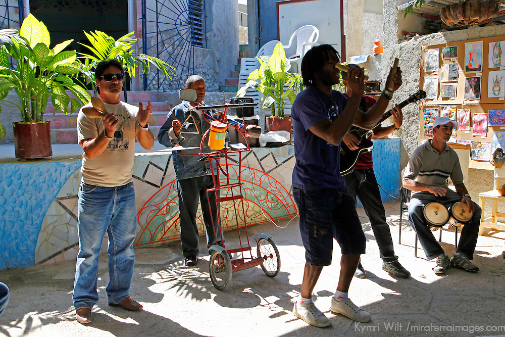Central America, Cuba, Havana. Mario MC and Cuban musicians perform at  Muraleando Cultural and Social Community Project Center.