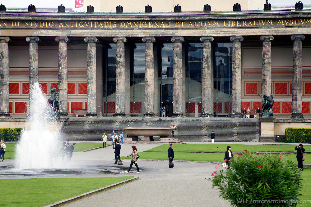 Europe, Germany, Berlin. Altes Museum in Berlin, a UNESCO World Heritage Site.