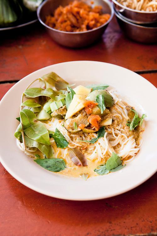 Kanom jeen at Mae Dting restaurant, Phuket.
