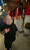 6/14/2002 - Verne Troyer Event for Micropet