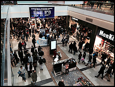 DEC 26 2013 Boxing Day Sales-Stratford
