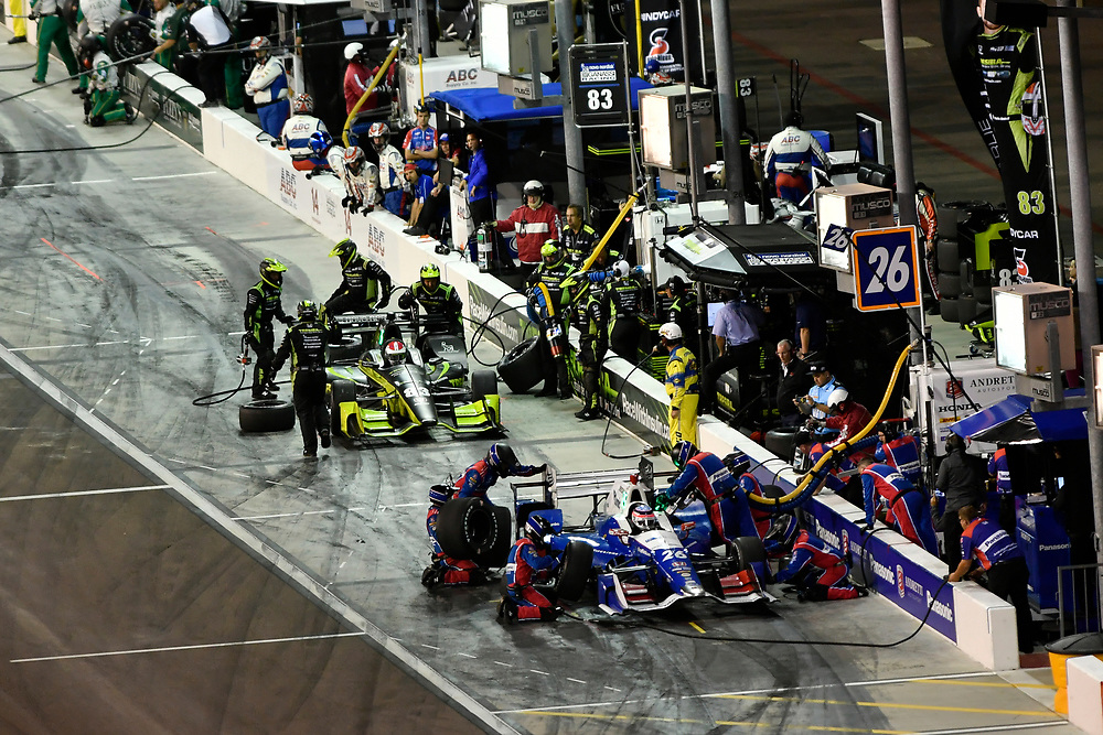 Verizon IndyCar Series<br /> Desert Diamond West Valley Phoenix Grand Prix<br /> Phoenix Raceway, Avondale, AZ USA<br /> Saturday 29 April 2017<br /> Takuma Sato, Andretti Autosport Honda ,Charlie Kimball, Chip Ganassi Racing Teams Honda pit stop<br /> World Copyright: Scott R LePage<br /> LAT Images<br /> ref: Digital Image lepage-170429-phx-4131