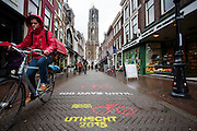 In Utrecht is het aftellen begonnen voor de start van de Tour de France. Over 100 dagen start de grootste wielerronde ter wereld in de Domstad.<br /> <br /> <br /> In Utrecht, the countdown began for the start of the Tour de France. In 100 days the biggest cycling race in the world starts in the cathedral city.
